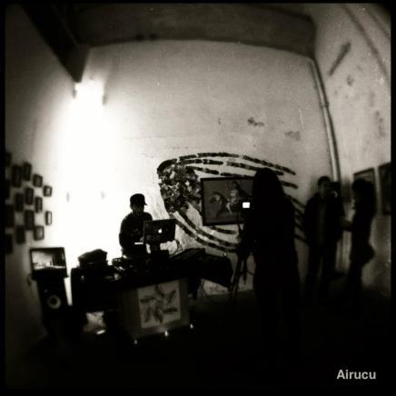 UNDERGROUND STATION (LIVE)